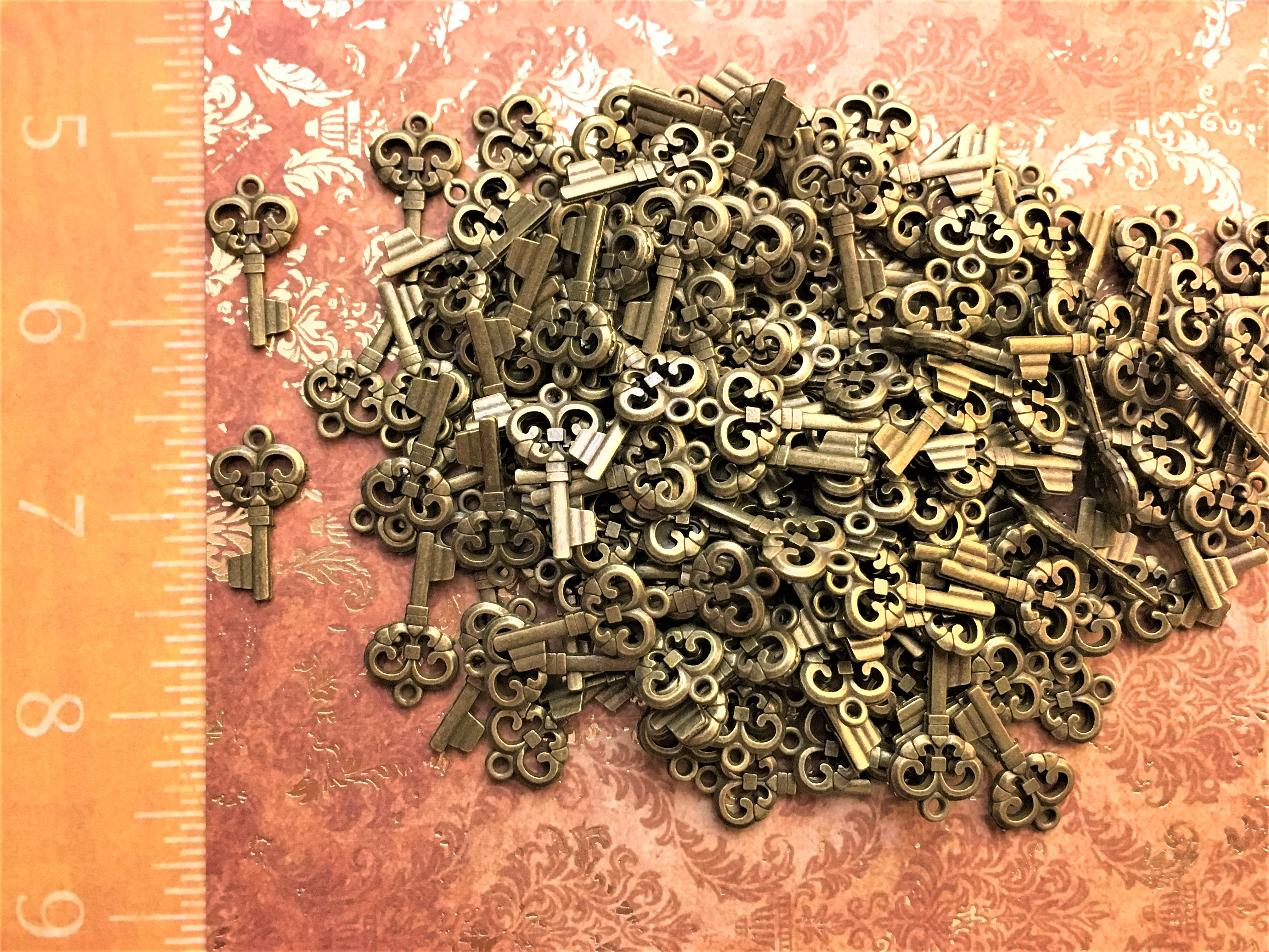 Mixed Lot New Keys Vintage Skeleton Charms Antique Jewelry Steampunk Wedding Bridal Shower Invitation Favor Gift Bead Supplies Pendant Craft