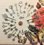 40 Big Wedding Keys Silver Old Look Skeleton Keys Lot Wedding Reception Bridesmaid Party Table Place Escort Tag Marker Confetti Decor