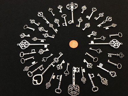 Mixed Size Silver Steampunk Skeleton Keys Gothic Wedding Key Ring Fob Cards Invites Party Supply Beads Pendant Charms Jewelry Craft Chimes