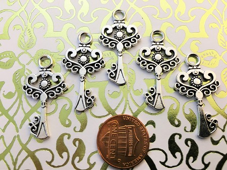Steampunk Skeleton Keys Gothic Heart Love Wedding Escort Place Cards Bulk Lot Seat Place Marker Reproduction Beads