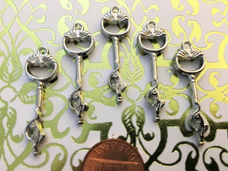 "25 Cat Theme 1& 3/8"" Steampunk Skeleton Keys Gothic Heart Love Wedding Escort Place Cards Bulk Lot Seat Place Marker Reproduction Vintage"