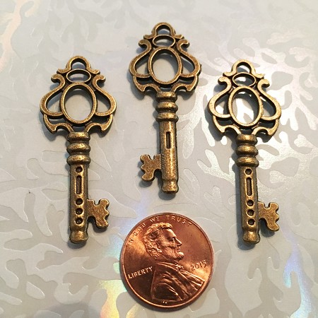 Ancient Brass Skeleton Key Copy Ornamental Decorative Jewelry Favor Guest Gift Collage Bridal Bachlorette Party Reception Lucky Charm