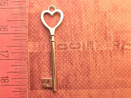 "Special Silver Heart 3"" Skeleton Keys Contemporary Heart Love Bridal Seating Escort Place Cards Bulk Lot Place Number Save The Date (COPY)"